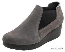 Mephisto Womens Marly Suede Closed Toe Clogs.