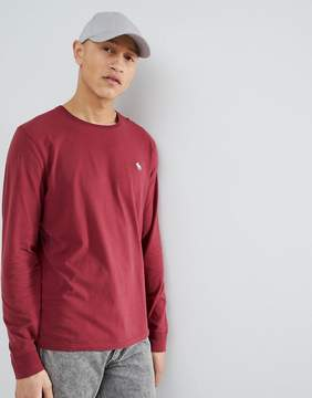 Abercrombie & Fitch Long Sleeve T-Shirt with Moose Logo in Burgundy
