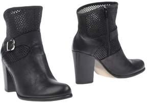 Donna Più Ankle boots