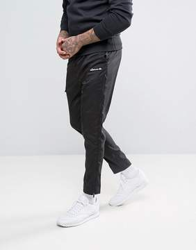 Ellesse Skinny Joggers With Reflective Piping