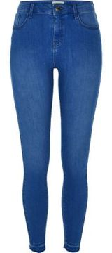 Gigi Hadid Wearing Blue Jeans July 2016 Popsugar Fashion