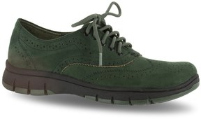 Easy Street Shoes Lucky Women's Wingtip Shoes