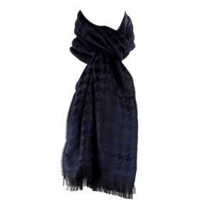 HUGO BOSS Men's 50248650 Peblo 100% Wool Houndstooth Navy Scarf