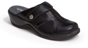 SoftWalk Women's 'Acton' Clog