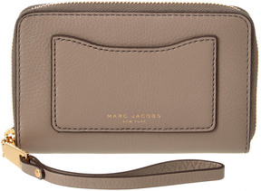 Marc Jacobs Recruit Leather Zip Around Phone Wristlet - ONE COLOR - STYLE