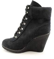 XOXO Womens Gwen Suede Closed Toe Ankle Fashion Boots.