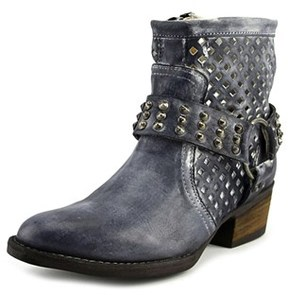 Very Volatile Mitch Women Round Toe Leather Combat Boot.