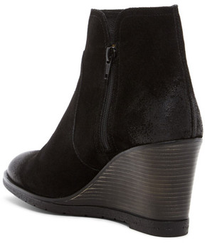 Kenneth Cole Reaction Dot-Ation Wedge Bootie