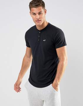 Hollister Henley T-Shirt Slim Fit Icon Logo in Black