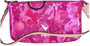 Louis Vuitton Pochette Accessoire patent leather clutch bag - PINK - STYLE