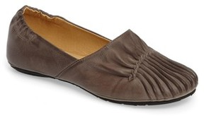 Chocolat Blu Women's Cam Ii Pleated Flat