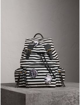 Burberry The Medium Rucksack with Pallas Heads and Helmet Appliqué - BLACK/WHITE - STYLE