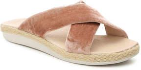 Tommy Bahama Women's Elina Velvet Flat Sandal