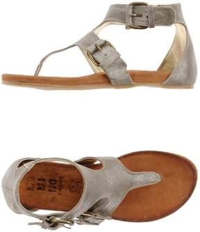 Momino Toe strap sandals