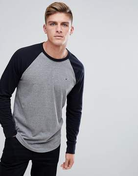 Hollister Long Sleeve Top Raglan Baseball Icon Logo Slim Fit in Gray