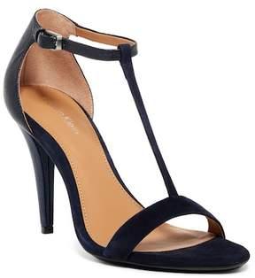 Calvin Klein Nasi Metallic Stingray Embossed T-Strap Sandal