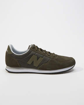 Abercrombie & Fitch New Balance 220 Sneakers