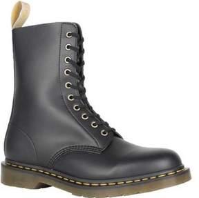 Dr. Martens Unisex 1490 10-Eyelet Boot