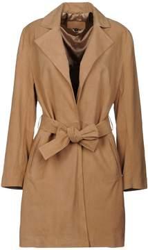 Cuplé Overcoats