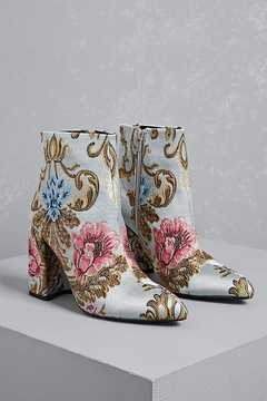 FOREVER 21 Shellys London Embroidered Boots