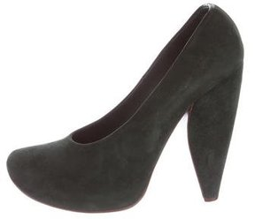 Marc Jacobs Suede Round-Toe Pumps