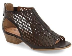 Tamaris Women's 'Nao' Open Toe Sandal