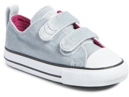 Converse Infant Girl's Chuck Taylor All Star 2V Velvet Low Top Sneaker