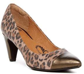 Sofft Tansy Pump - Wide Width Available