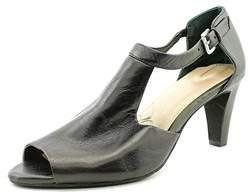 Giani Bernini Women's Gertee Leather T-strap Sandals.