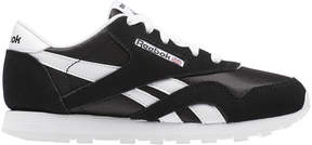 Reebok Classic Nylon Sneaker in Black/White, Size 6.5