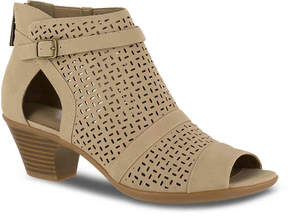 Easy Street Shoes Women's Carrigan Bootie