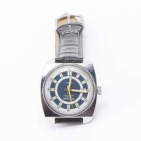 Blade + Blue Vintage Timex 1970&|39;s Automatic Movement Blue Dial Watch