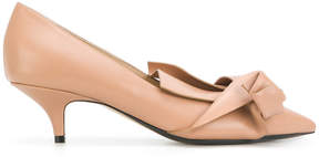 No.21 pointed toe pumps