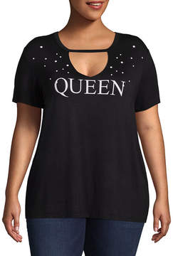 Boutique + + Short Sleeve V Neck Rhinestoned Queen Graphic T-Shirt - Plus