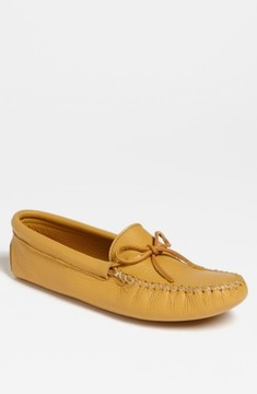 Minnetonka Men's Deerskin Moccasin