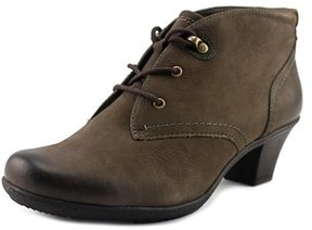 Earth Origins Devin Round Toe Leather Ankle Boot.
