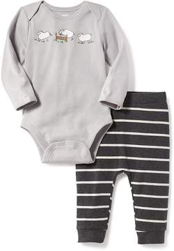 Old Navy 2-Piece Graphic Bodysuit and Patterned Leggings Set for Baby