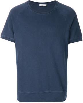 Closed short-sleeve T-shirt