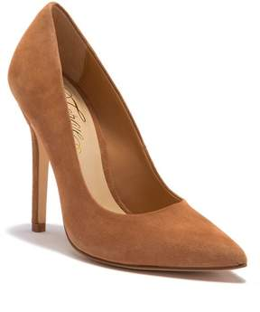 Fergie Alexi Pointed Toe Pump