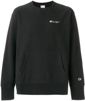 Champion logo embroidered front pocket sweatshirt