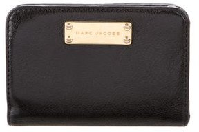 Marc Jacobs Leather Compact Wallet - BLACK - STYLE