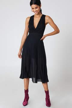 NA-KD Na Kd Deep Neck Pleated Dress