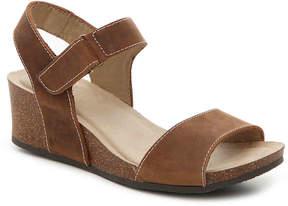 White Mountain Women's Haines Wedge Sandal