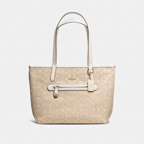 COACH Coach New YorkCoach Taylor Tote In Signature Jacquard - LIGHT KHAKI/CHALK/LIGHT GOLD - STYLE