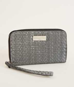 Adrienne Vittadini Weaved Wallet