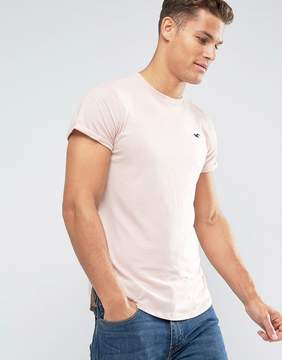 Hollister Crew T-Shirt Slim Fit Scallop Hem Icon Logo in Pink