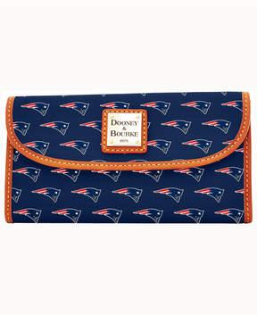 Dooney & Bourke New England Patriots Clutch - NAVY - STYLE