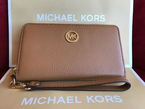 Michael Kors Fulton Large Flat Multifunction Leather Phone Case - ACORN - STYLE