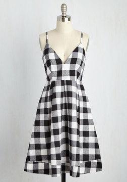 Taylor Swift Wearing A Checkered Dress June 2016