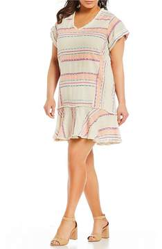 Chelsea & Theodore Plus Short Sleeve V-Neck Tunic Dress